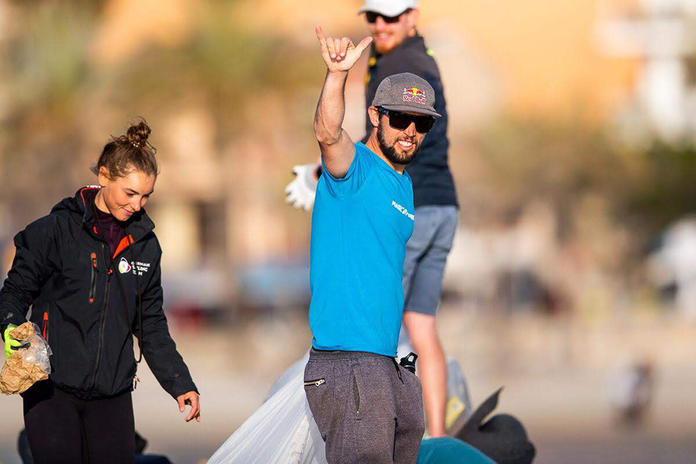 Yago has united a network of more than 2,000 volunteers to clean beaches around the world. In 2019, The International Olympic Committee recognized his initiatives by awarding him their environmental prize. Photo credit: Jesus Renedo | Sailing Energy